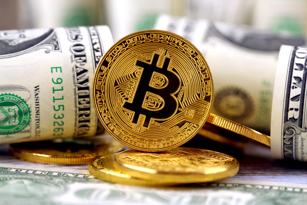 CME Group Starts Bitcoin Futures Trading while Bankers Warn Investors