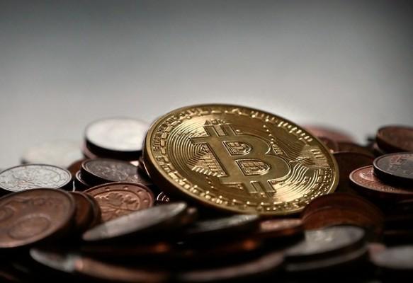 Market Round Up: Coinbase Crushing It💥BOJ Holds Rates👀